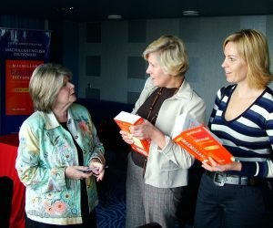 Gwyneth Fox (left) talking to teachers about MED